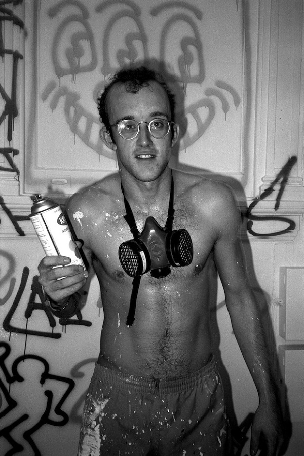 008-keith-haring-the-red-list