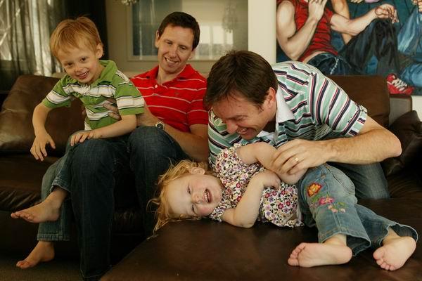 Družine: Mavrične družine po padlem Družinskem zakoniku
