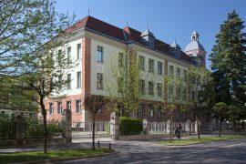 Mladika_palace_Ljubljana